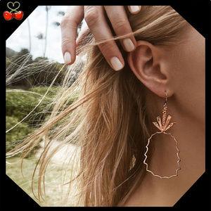 🍒 Gold Pineapple Hoop Earrings